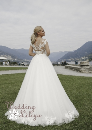 Wedding dress №696