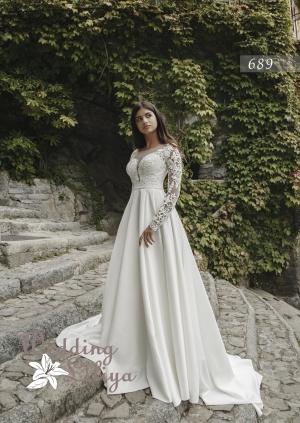 Wedding dress №689