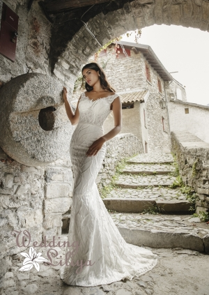 Suknia ślubna nr 690