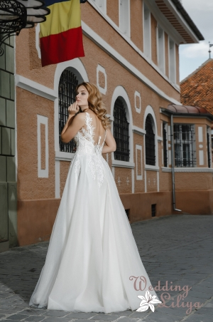 Wedding dress №663
